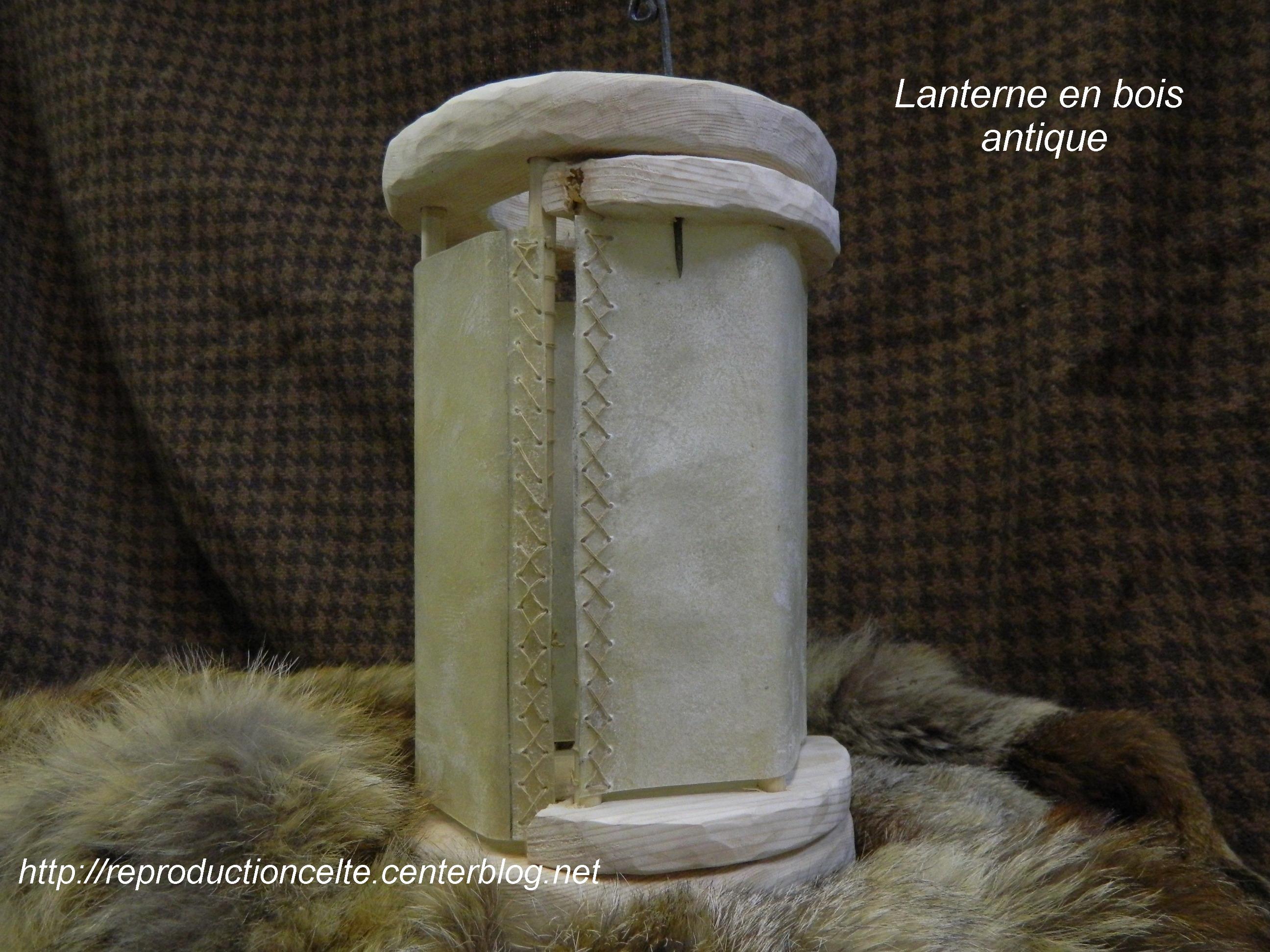 Lanterne antique m di vale en bois - Lanterne en bois ...